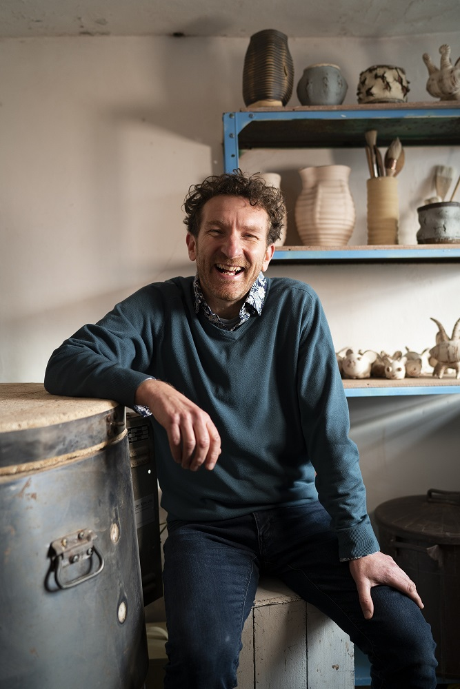 Creramic artist jon the potter williams in his herefordshire studio